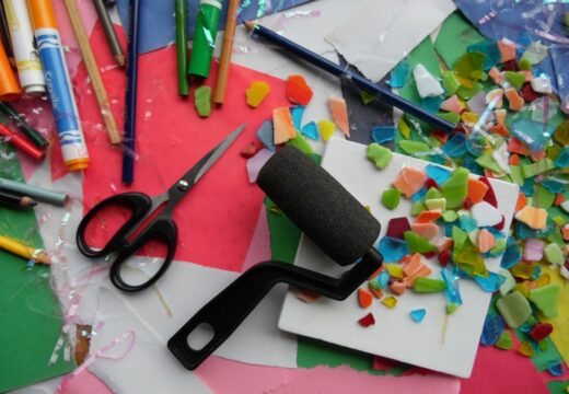 matériel pour loisirs créatifs