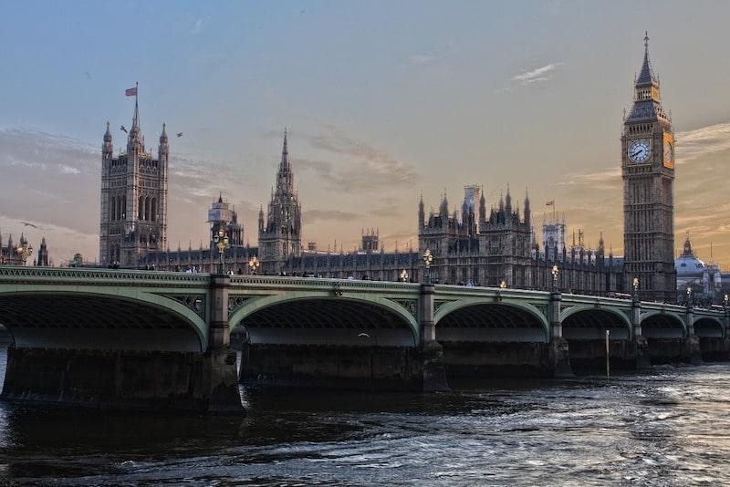 Les moyens de transport pour le trajet Paris Londres