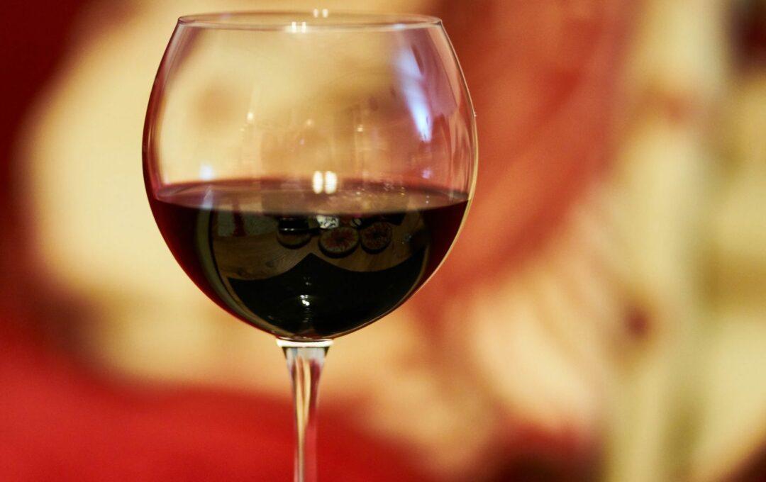 vin rouge à accorder avec la paëlla